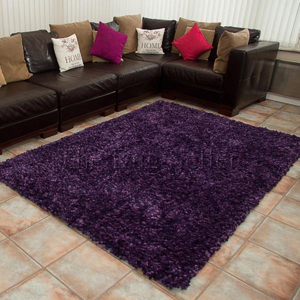 Practical shaggy rug