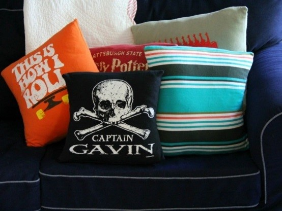 Upcycle handamade t-shirt pillow cases