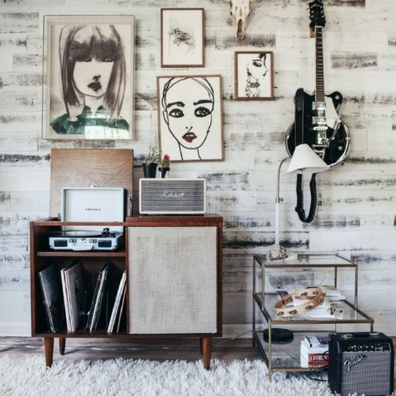 hipster home decor an apartmetn with a vintage look and vinyl collection