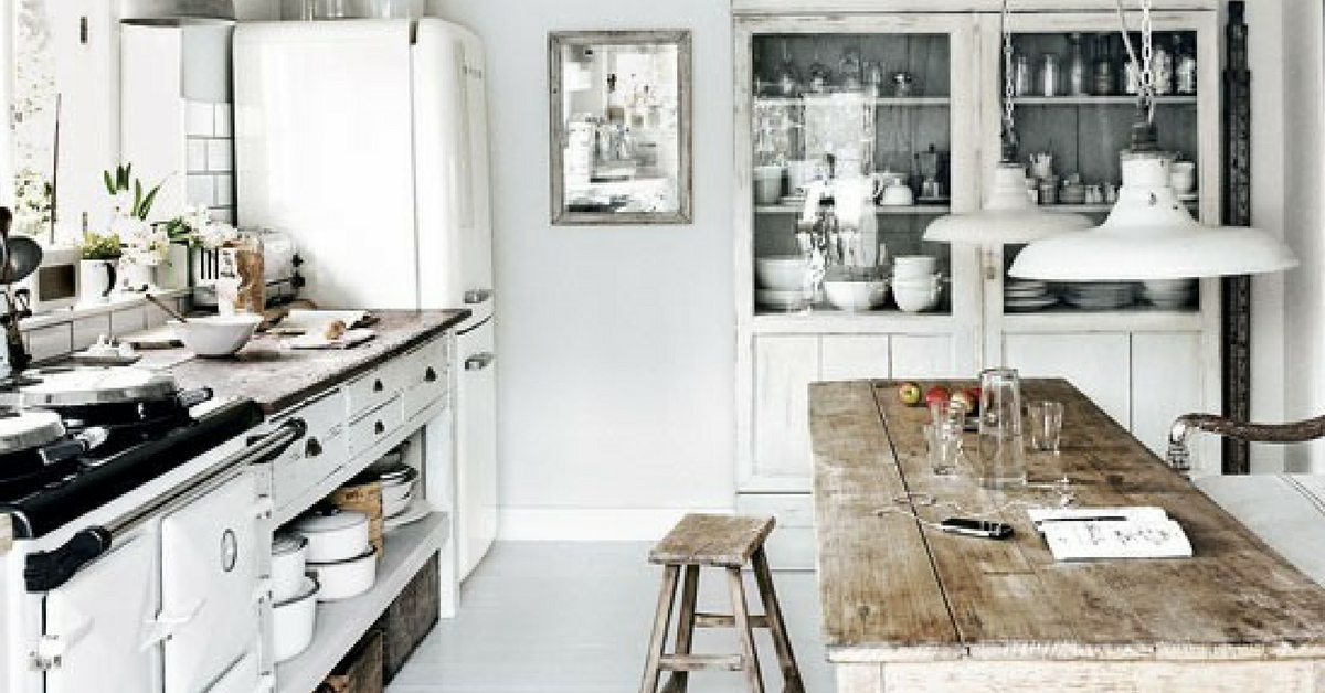 interior design trends vintage white coloure kitchen