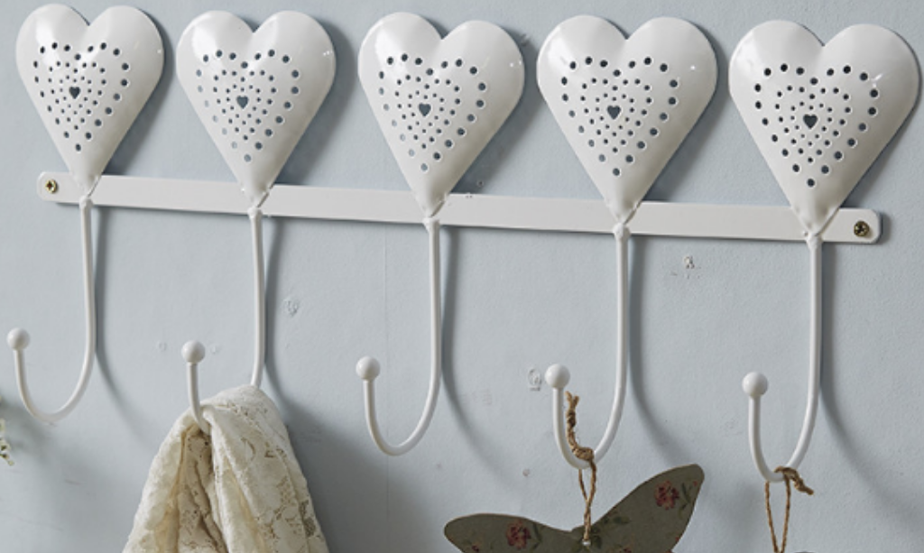 Valentine's day home decor Enamel 5 Heart Set of Hooks – Live Laugh Love