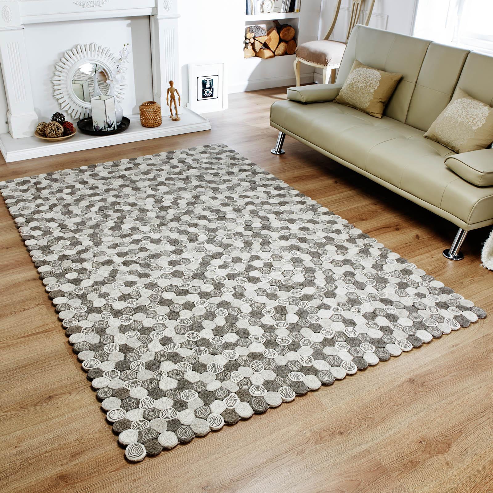 Lagom sushi rugs in monchrome