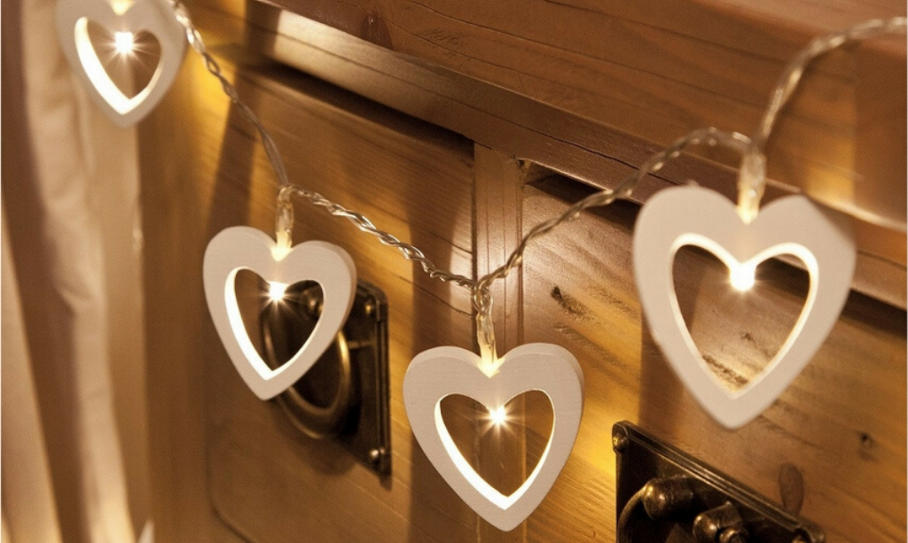 Valentine's day home decor White Wooden Heart Battery Fairy Lights