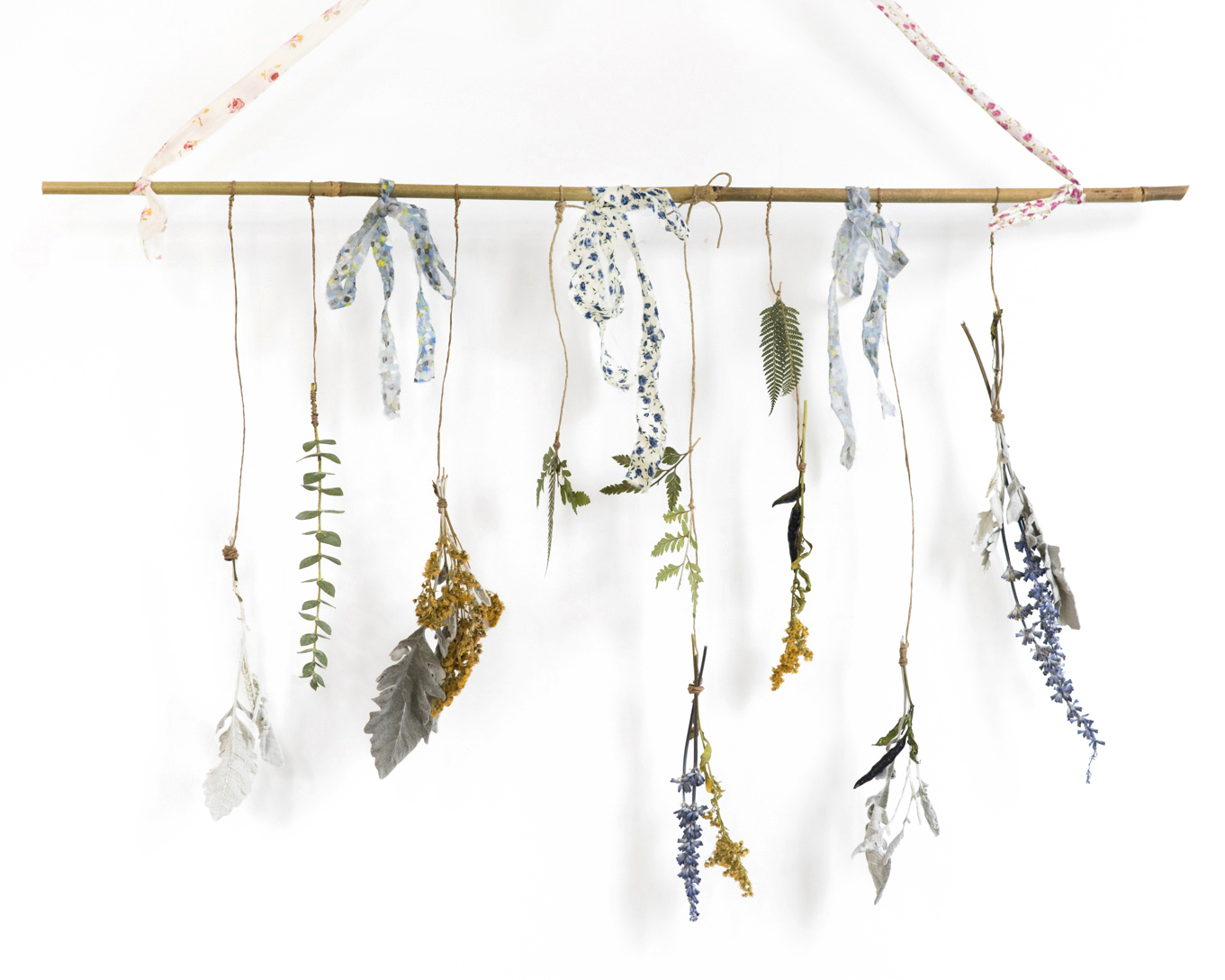 dried flower botanical wall hanging mobile