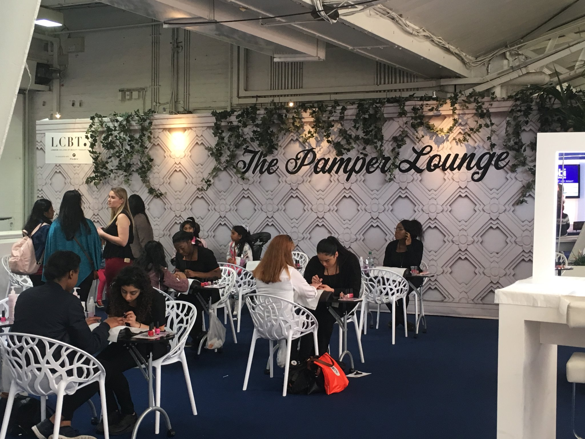 ideal home show 2017 pamper lounge