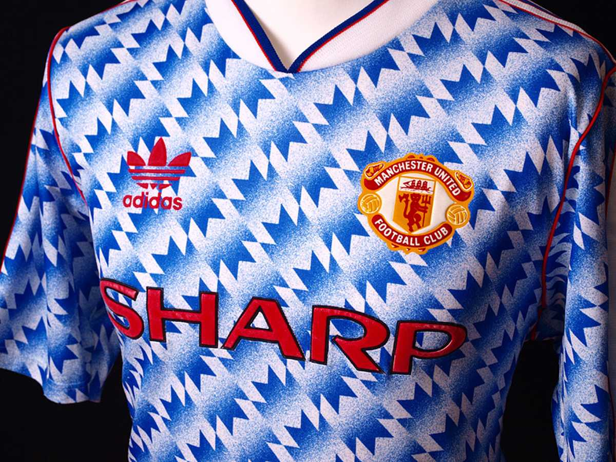 Manchester United classic 1990-1992 away kit