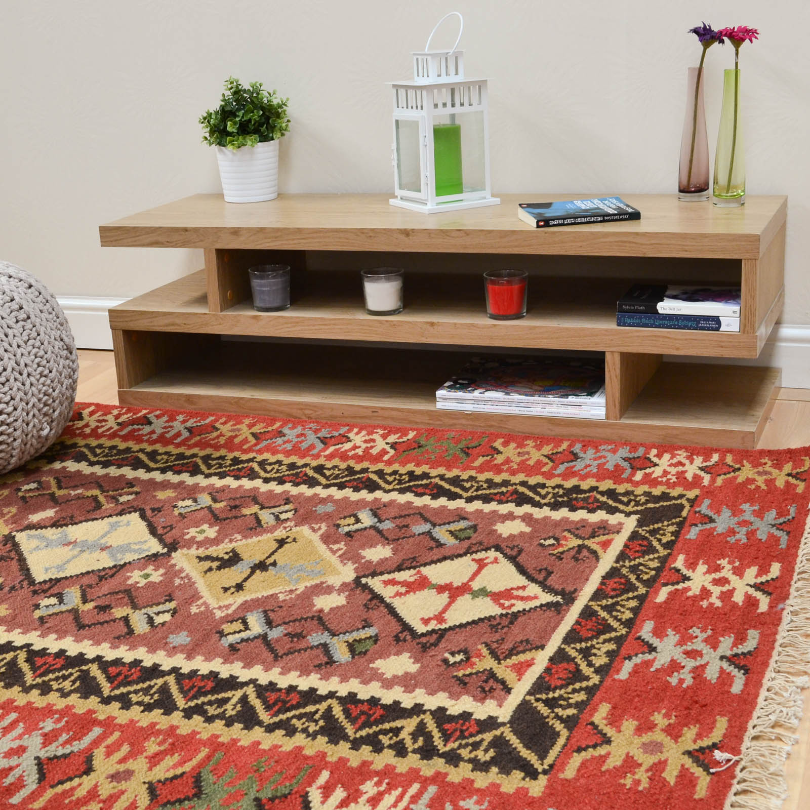 patterned red kilim rug from the rug seller in modern style living room