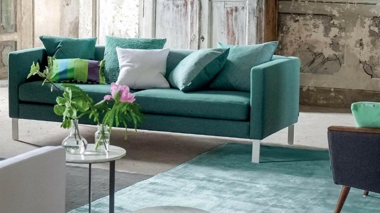 ebserson aqua rug by designers guild blue colour scheme
