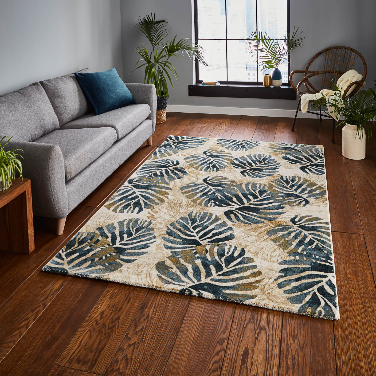Mother's Day gift, Tropics Rugs 6097 in Cream and Blue